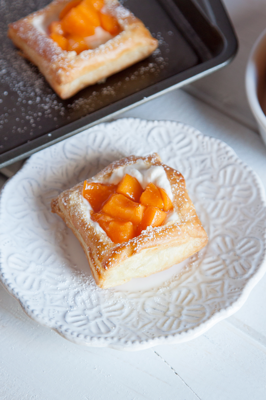 mini apricot fruit tarts thesassylife. Black Bedroom Furniture Sets. Home Design Ideas